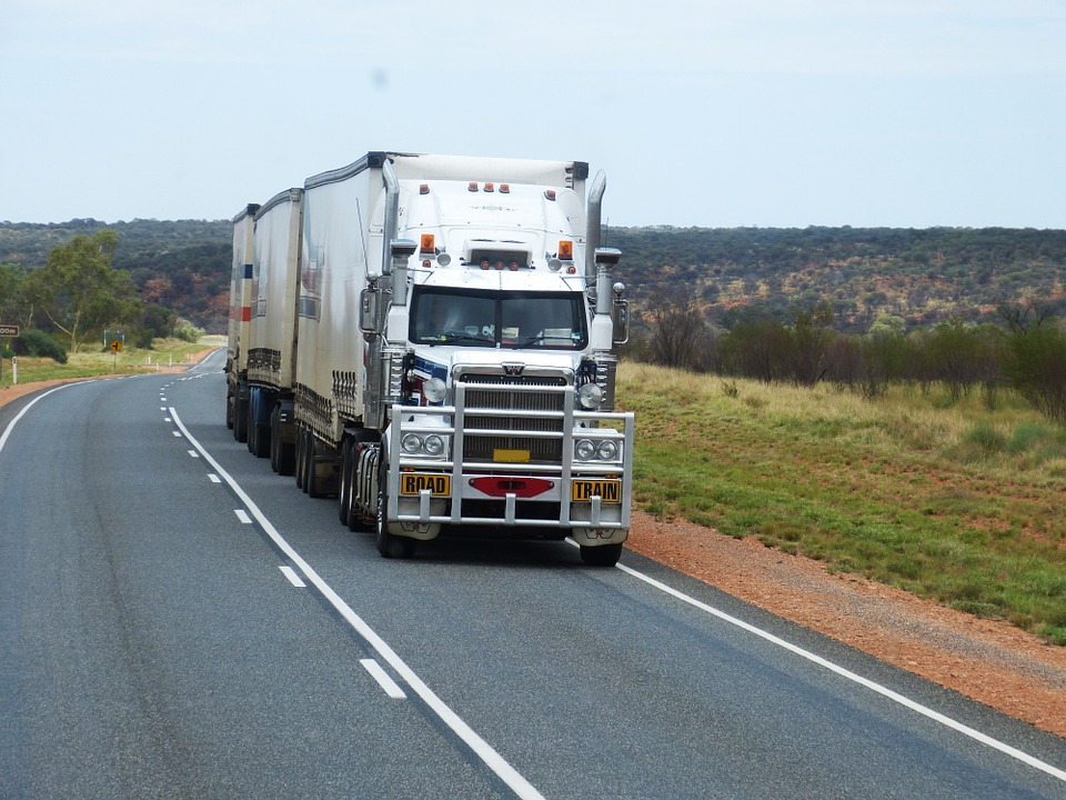 The 4 Great Benefits of Being a Truck Driver in Australia